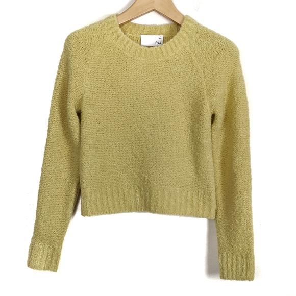 Aritzia Wilfred Free Elsie Fuzzy Crewneck Sweater